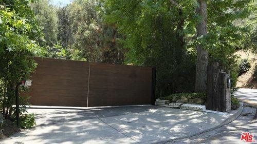 Photo of 7674 Willow Glen Road, Los Angeles, CA 90046 (MLS # 21676682)