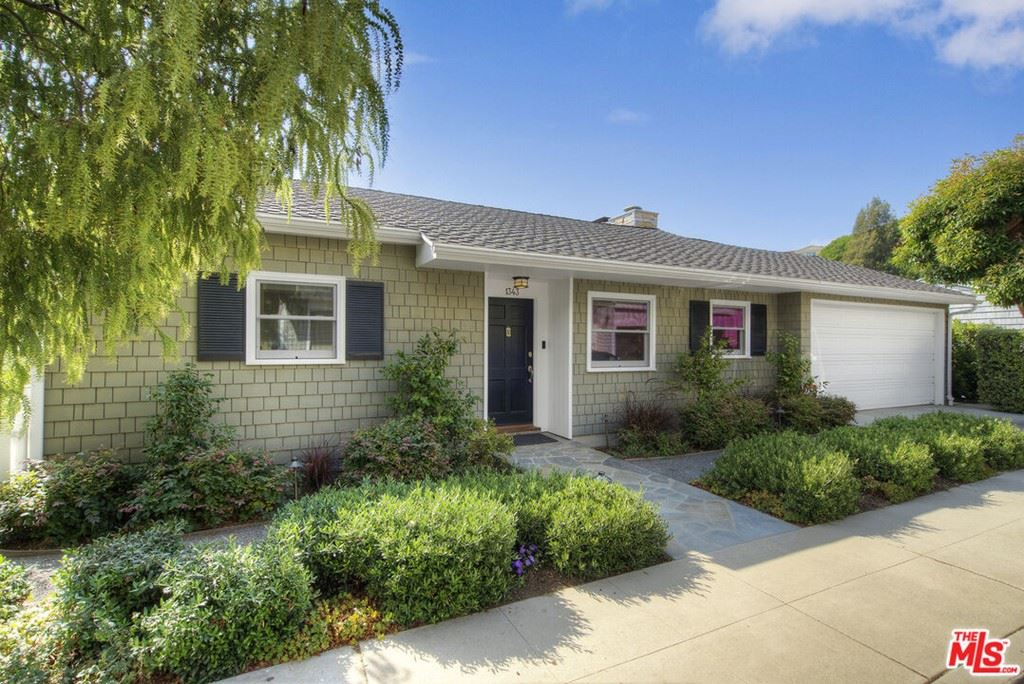 Photo of 1343 Goucher Street, Pacific Palisades, CA 90272 (MLS # 21779682)