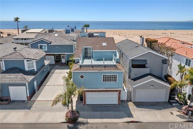 Photo for 1317 E Balboa Boulevard, Newport Beach, CA 92661 (MLS # NP21071682)