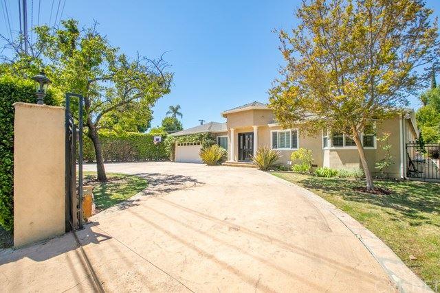 Photo of 5135 Gloria Avenue, Encino, CA 91436 (MLS # SR21092682)