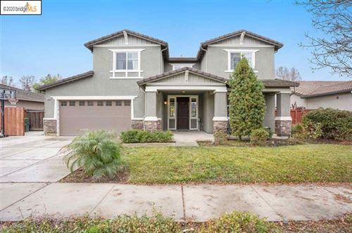 Photo of 450 Effie Ct, Brentwood, CA 94513 (MLS # 40932683)