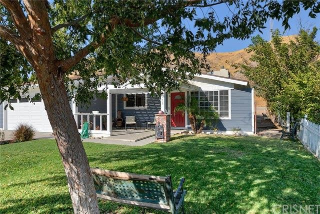 Photo for 29728 Wisteria Valley Road, Canyon Country, CA 91387 (MLS # SR20219683)