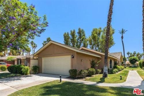 Photo of 233 Las Lomas, Palm Desert, CA 92260 (MLS # 21728684)