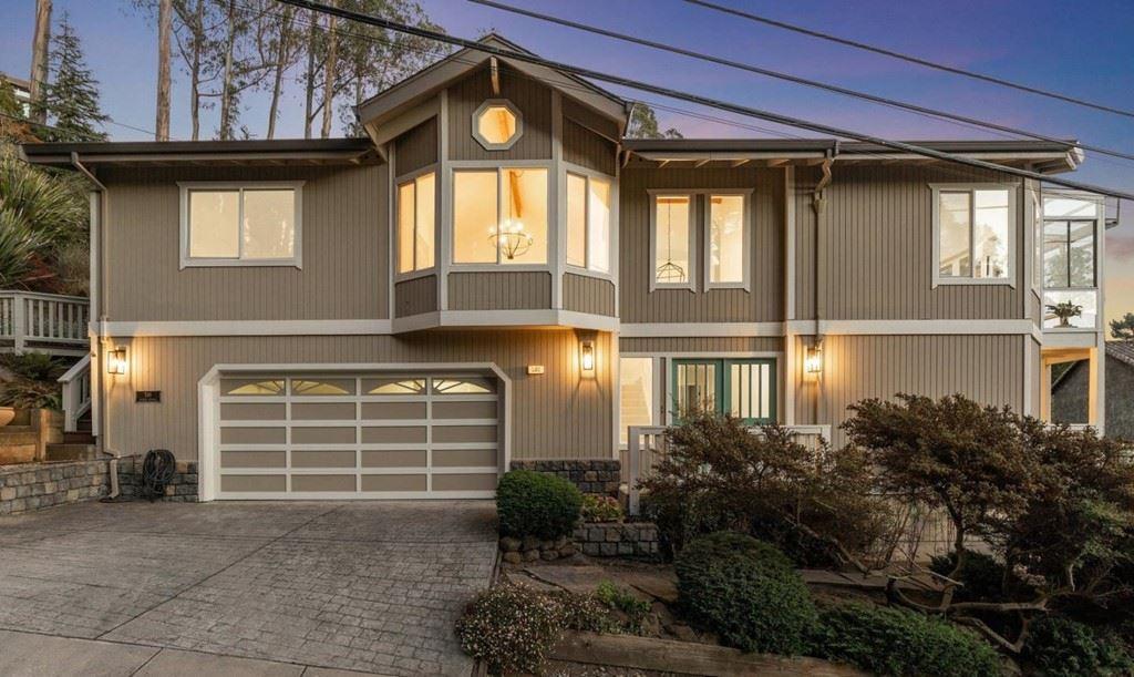 586 Avenue Portola, El Granada, CA 94018 - MLS#: ML81860685