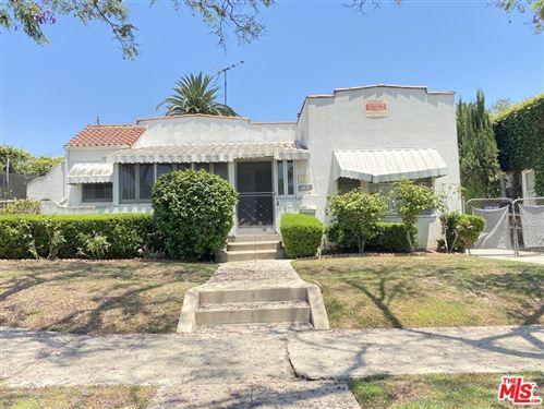 Photo of 582 N Bronson Avenue, Los Angeles, CA 90004 (MLS # 21760686)