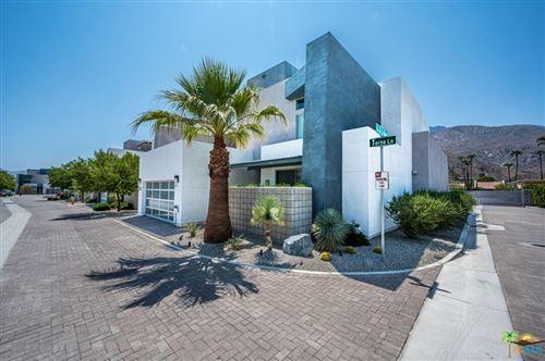 Photo of 423 Terno Lane, Palm Springs, CA 92262 (MLS # 21781686)