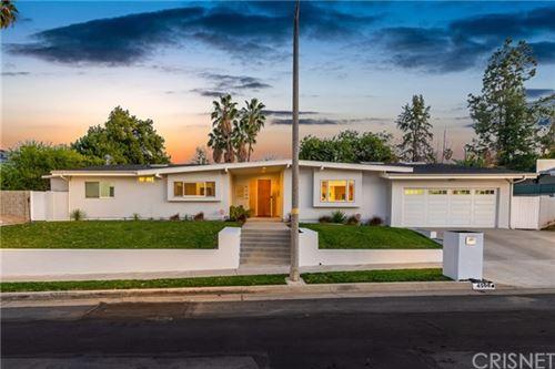 Photo of 4500 Jubilo Drive, Tarzana, CA 91356 (MLS # SR21005686)