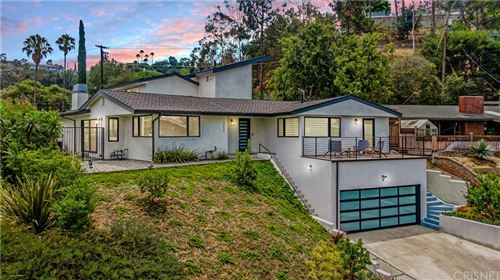 Photo of 3658 Willowcrest Avenue, Studio City, CA 91604 (MLS # SR21234686)