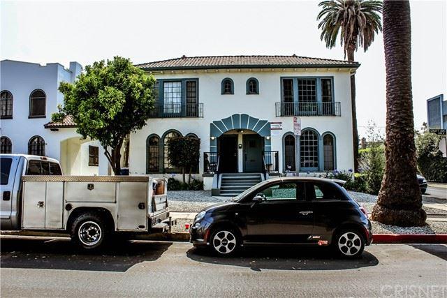 Photo of 1000 N Croft Avenue, Los Angeles, CA 90069 (MLS # SR21136686)