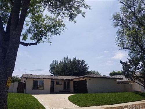 Photo of 6128 Manton Avenue, Woodland Hills, CA 91367 (MLS # SR21099687)