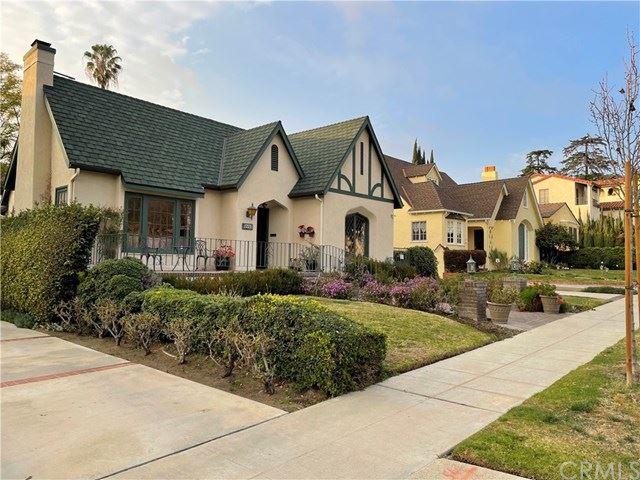 Photo of 1215 Viscano Drive, Glendale, CA 91207 (MLS # SB21031687)