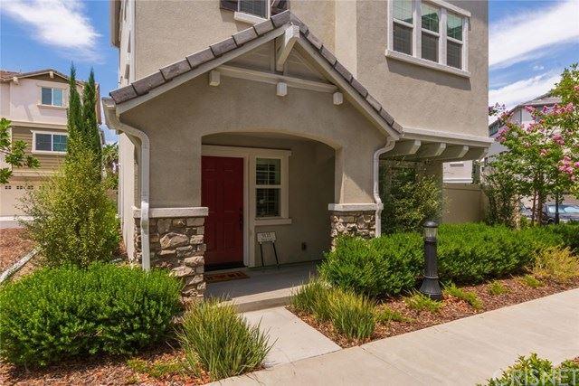 Photo of 9135 Foster Lane, Chatsworth, CA 91311 (MLS # SR20129689)