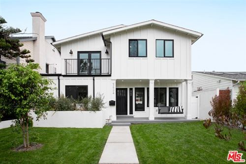 Photo of 3524 Redwood Avenue, Los Angeles, CA 90066 (MLS # 20669690)