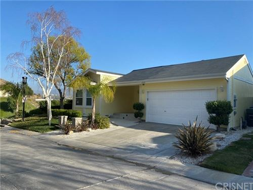 Photo of 20148 Summit View Drive, Canyon Country, CA 91351 (MLS # SR20050691)