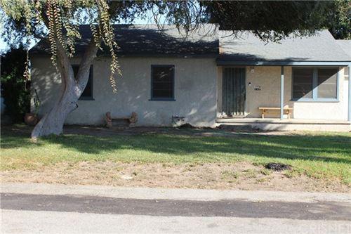 Photo of 8368 Aura Avenue, Northridge, CA 91324 (MLS # SR21098692)