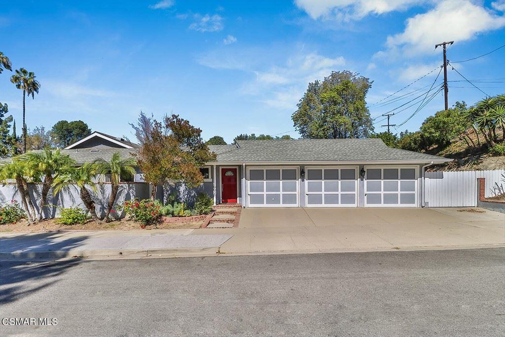 Photo of 2116 Dunn Court, Thousand Oaks, CA 91360 (MLS # 221005693)