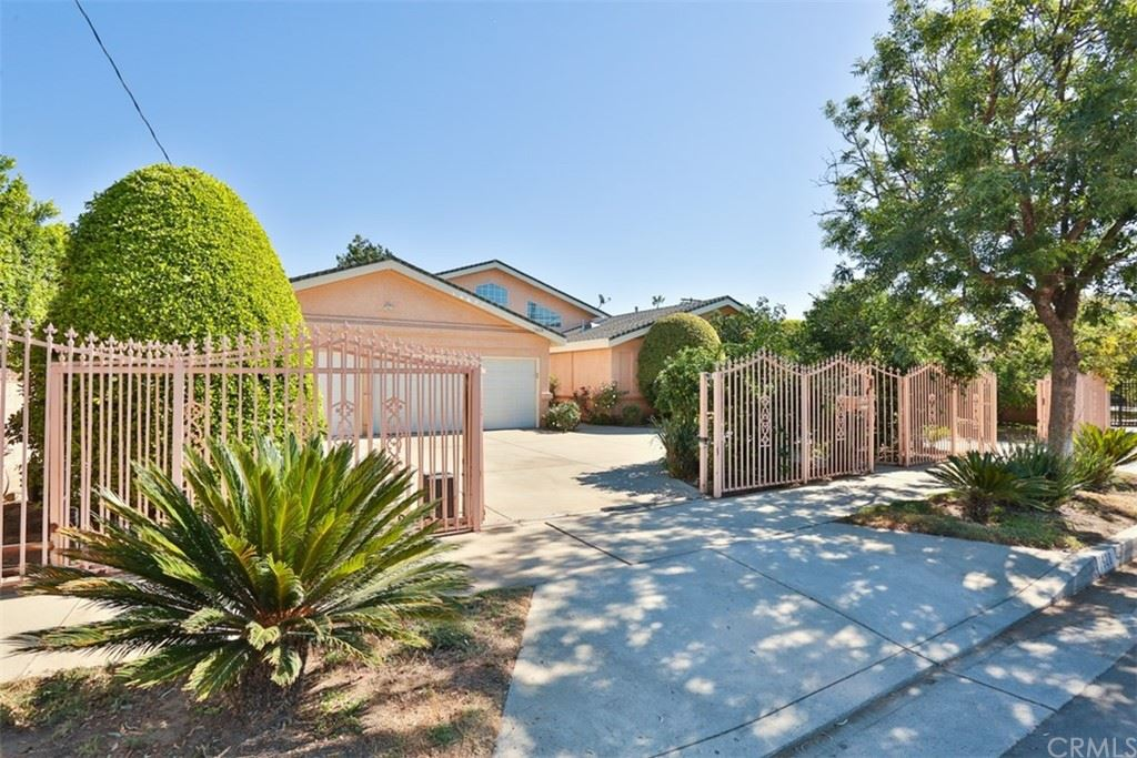 Photo of 7928 Bellaire Avenue, North Hollywood, CA 91605 (MLS # BB21227693)