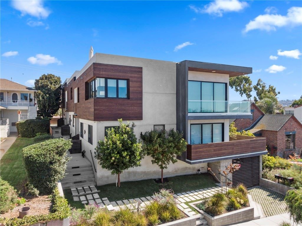 928 S Juanita Avenue #B, Redondo Beach, CA 90277 - MLS#: SB21120693