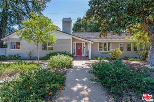 Photo of 5442 Wilbur Avenue, Tarzana, CA 91356 (MLS # 21714694)