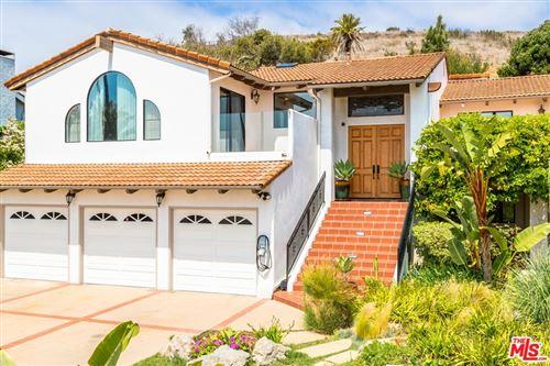 Photo of 24743 Vantage Point Terrace, Malibu, CA 90265 (MLS # 21722694)