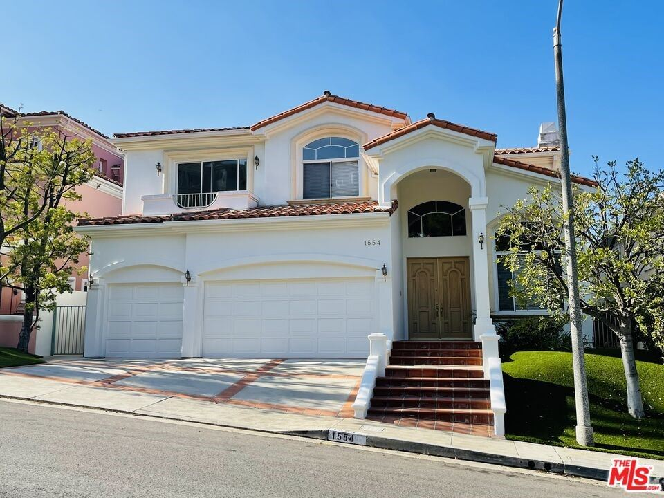 Photo of 1554 W Chastain, Pacific Palisades, CA 90272 (MLS # 21795694)