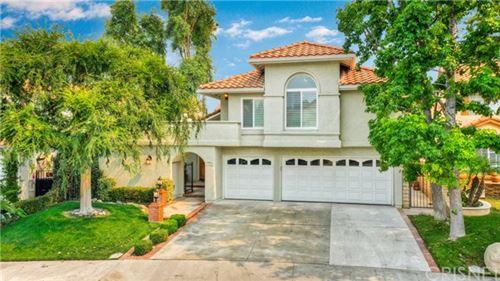 Photo of 24516 Skyridge Drive, Newhall, CA 91321 (MLS # SR20192695)