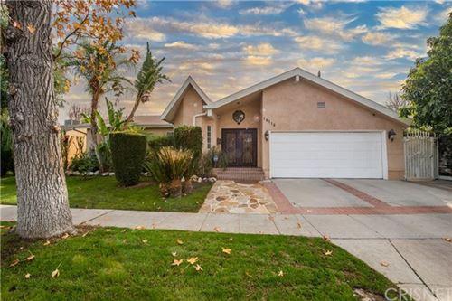 Photo of 18118 Tarzana Street, Tarzana, CA 91356 (MLS # SR20263695)
