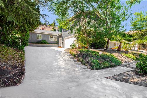 Photo of 22247 De La Osa Street, Woodland Hills, CA 91364 (MLS # SR21162695)