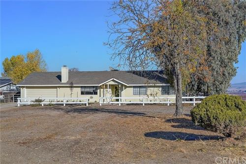 Photo of 7116 Iverson Place, Paso Robles, CA 93446 (MLS # NS21002696)