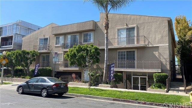 Photo of 621 N Bronson Avenue, Hollywood, CA 90004 (MLS # SR21093697)