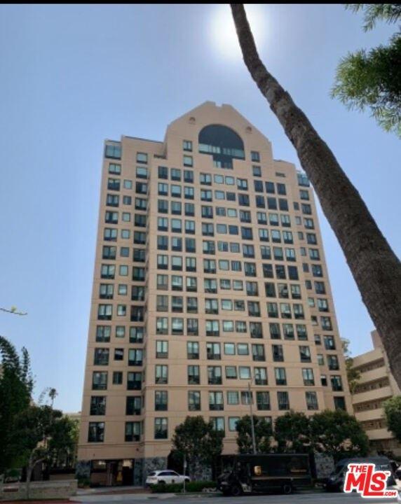 Photo of 10520 Wilshire Boulevard #1501, Los Angeles, CA 90024 (MLS # 20626700)