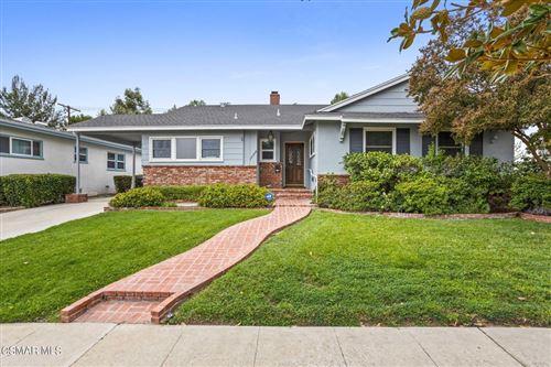 Photo of 19506 Calvert Street, Tarzana, CA 91335 (MLS # 221004701)