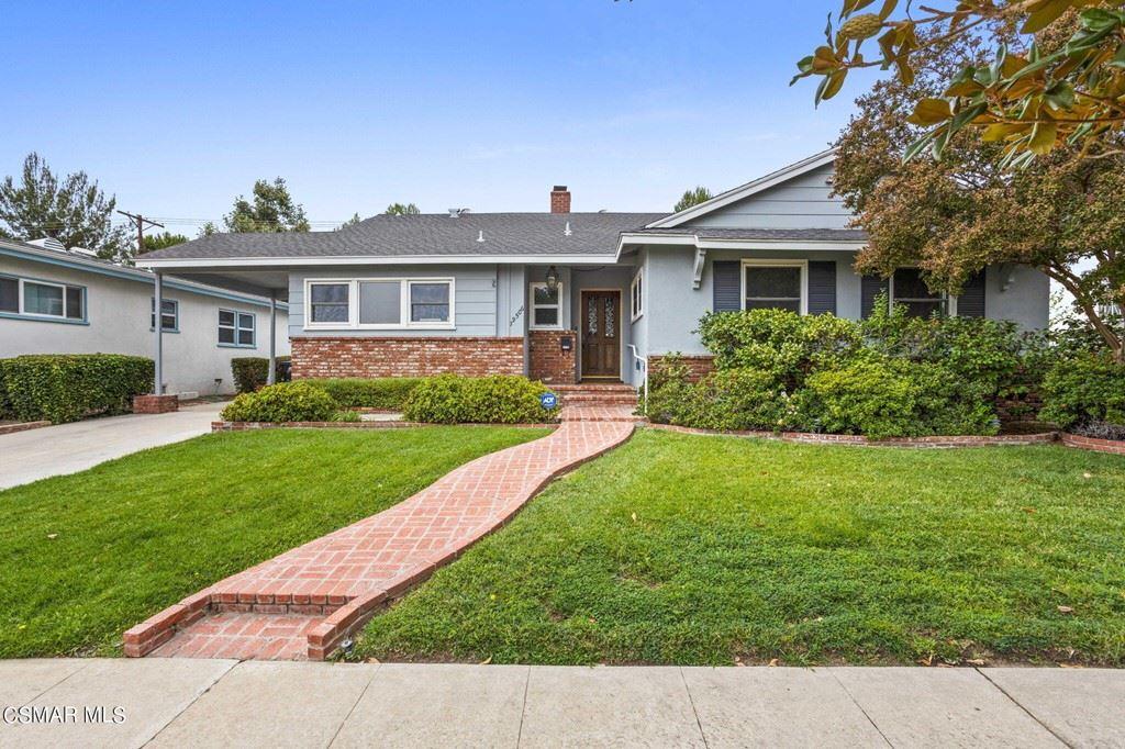 Photo for 19506 Calvert Street, Tarzana, CA 91335 (MLS # 221004701)