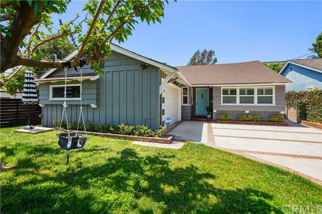 Photo of 6711 Sunnyslope Avenue, Valley Glen, CA 91401 (MLS # BB21101701)