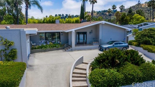 Photo of 8400 Mulholland Drive, Los Angeles, CA 90046 (MLS # SR20120701)