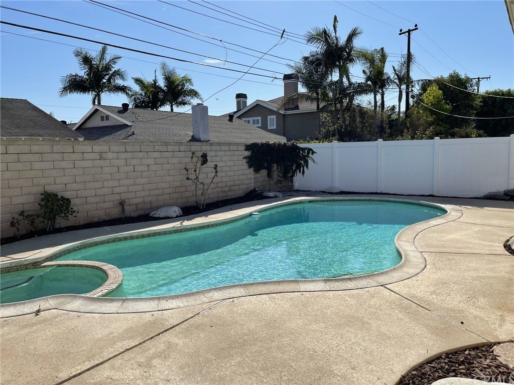 10332 Monitor Drive, Huntington Beach, CA 92646 - MLS#: TR21220701
