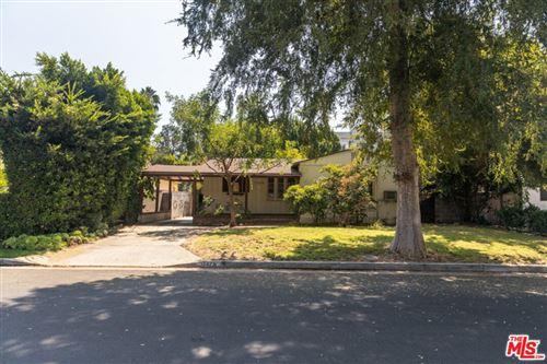 Photo of 11476 La Maida Street, Valley Village, CA 91601 (MLS # 21781702)