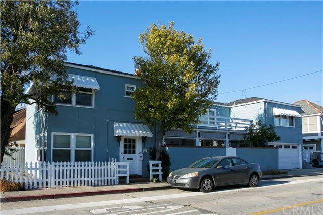 Photo for 300 Coral Avenue, Newport Beach, CA 92662 (MLS # NP19164702)