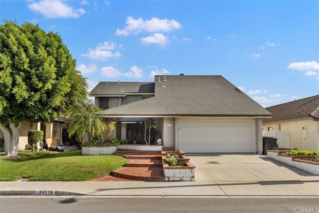 Photo of 24576 Creekview Drive, Laguna Hills, CA 92653 (MLS # OC21219702)