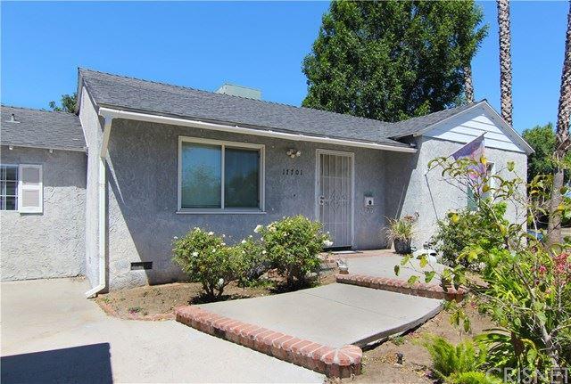 Photo of 17701 Collins Street, Encino, CA 91316 (MLS # SR21089702)