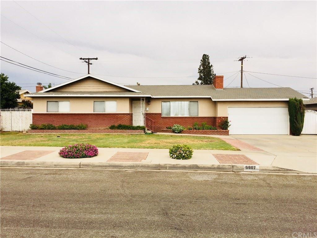 9807 Olive Street, Bloomington, CA 92316 - MLS#: CV21155703