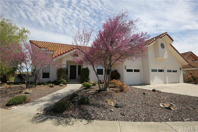 Photo of 928 Inverness Drive, Paso Robles, CA 93446 (MLS # NS21073703)