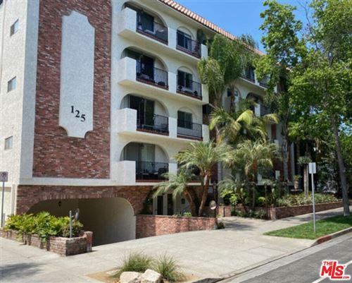 Photo of 125 Montana Avenue #204, Santa Monica, CA 90403 (MLS # 21793704)
