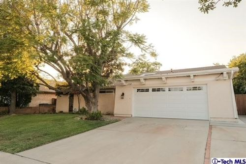 Photo of 15507 La Valle Street, Sylmar, CA 91342 (MLS # 320006704)