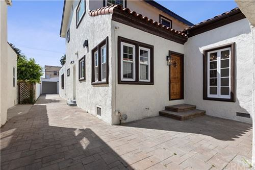 Photo of 3019 Vineyard Avenue, Los Angeles, CA 90016 (MLS # OC20129705)