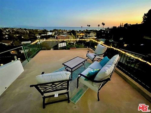 Photo of 950 Chattanooga Avenue, Pacific Palisades, CA 90272 (MLS # 21711706)