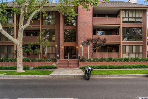 Photo of 3200 W Riverside Drive #N, Burbank, CA 91505 (MLS # 320005706)