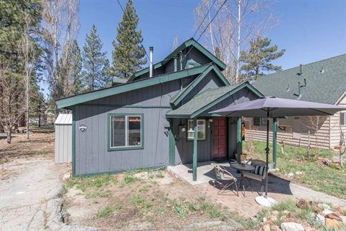 Photo of 518 Lakewood Lane, Big Bear, CA 92315 (MLS # IV21086706)