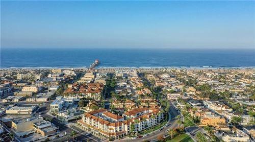 Photo of 415 Townsquare Lane #217, Huntington Beach, CA 92648 (MLS # OC20240706)