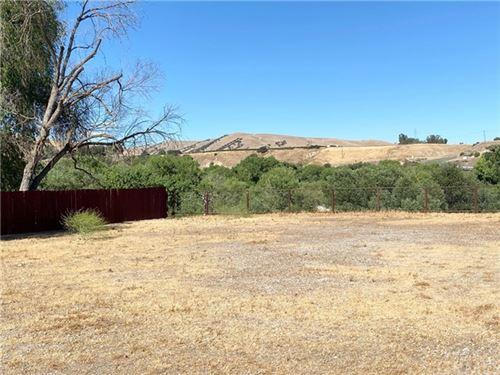 Photo of 1436 Rio Vista Place, San Miguel, CA 93451 (MLS # SC21128706)